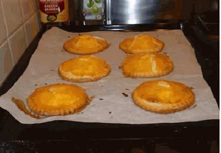 Zelfgemaakte gevulde koeken