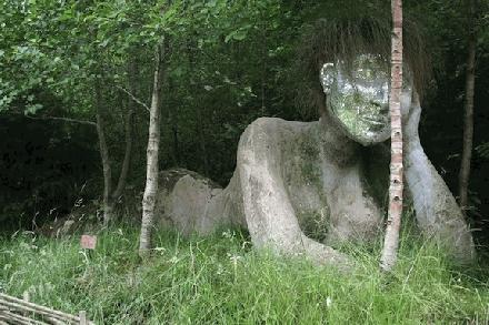 003 Naakte vrouw 3 in  het bos van the Lost gardens of Herigon