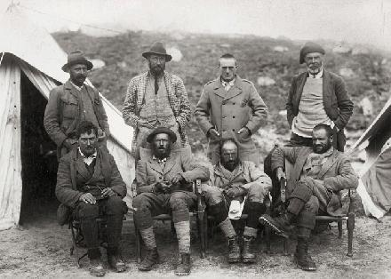 De 1921 British Mount Everest reconnaissance expeditie geleid door Lieutenant-Colonel Charles Howard-Bury