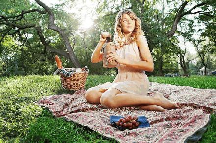 Grace Helbig picknick