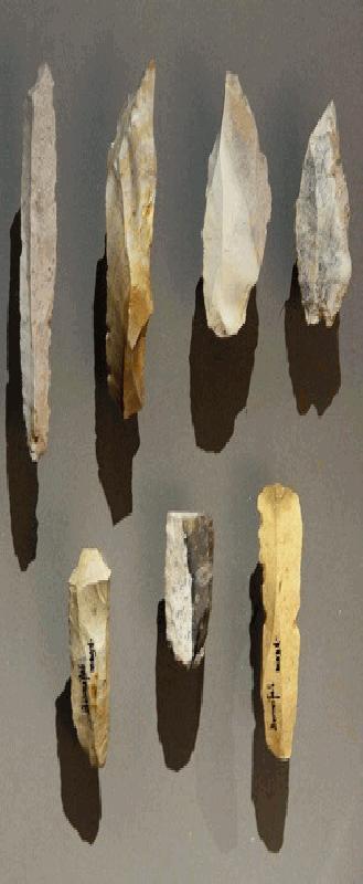 Neanderthal Speerpunten en Hamerpunt